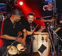 Grupo Rumbon zum Salsa Konzert im Park der Villa in Erlangen