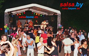 Salsa Konzert im Park der Villa in Erlangen - Salsa tanzen